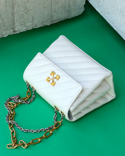 Your new it-bag is waiting for you right here!