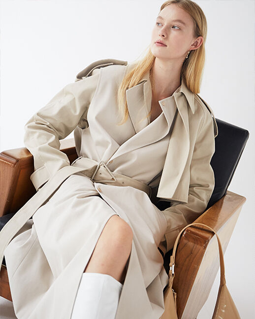 THE VERSATILE ELEGANCE OF THE TRENCH COAT