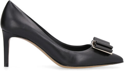 Leather pointy-toe pumps