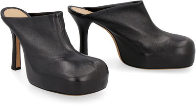 BV Bold leather mules