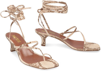 Leather thong-sandals